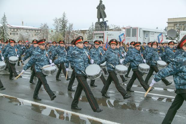 парад в красноярске онлайн