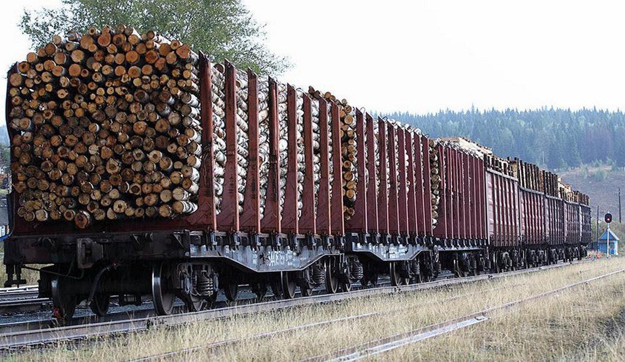 В открытых вагонах перевозка грузов
