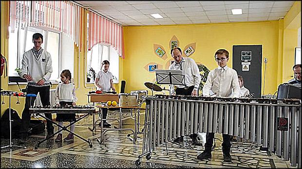 Красноярских школьников ожидают вкружках игры набалалайке, арфе, маракасах