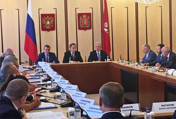 ВКрасноярск прилетел вице-премьер Виталий Мутко