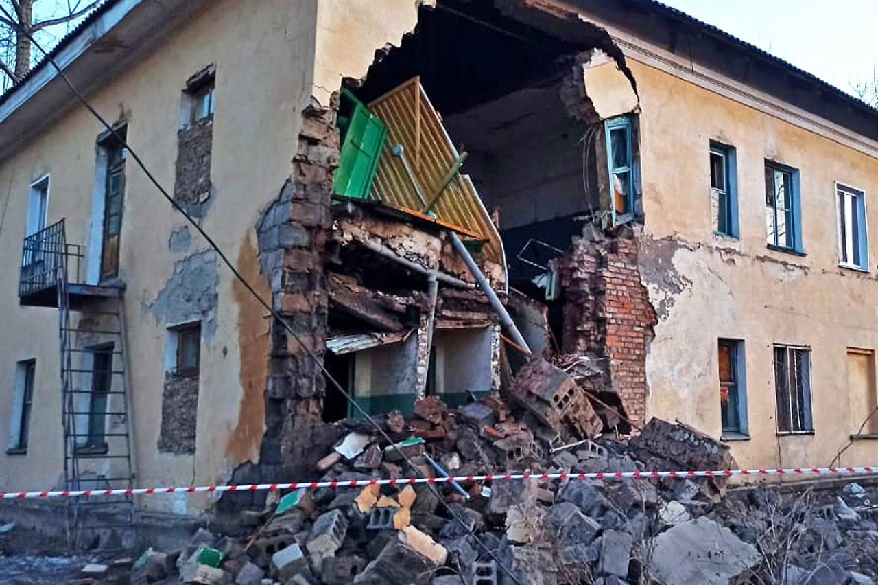 В Канске обрушилась часть жилого дома